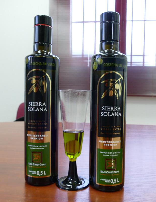 Aceite virgen extra cosecha en verde