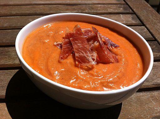 Salmorejo receta de verano fácil y nutritiva